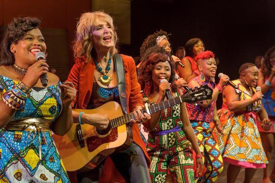 Siyabonga Makeba - African Mamas en Leoni Jansen